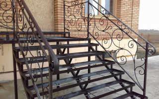 Лестница на металлокаркасе: изготовление для улицы, как обшить уличную метеллическую лестницу