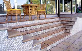 Принципы облицовки керамических ступеней на лестнице