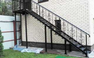 Лестница для крыльца, ограждения (пластиковые и металл): цена и устройство