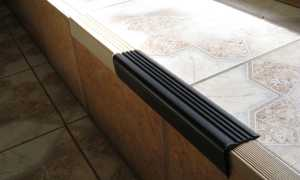 Уголок для ступеней: обрамление алюминиевым профилем лестничных проступей