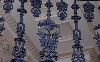 Металлические балясины в конструкции лестницы