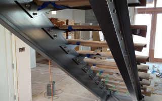 Как обустроить лестницу на металлическом косоуре