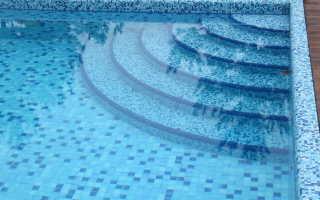 Бетонная лестница для бассейна