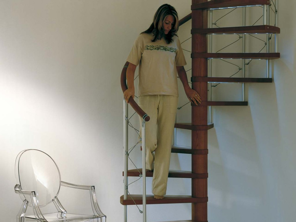 Такая лестница займет минимум места в Вашем доме.