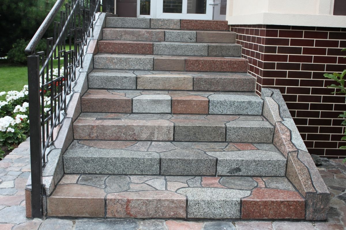 Как выбрать плитку для наружных ступеней