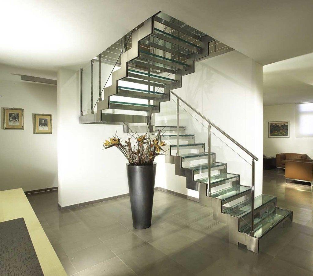 Стационарные и переносные металлические лестницы