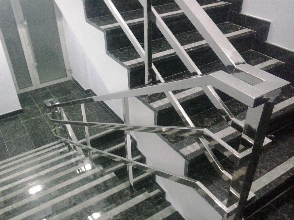 Стильные и практичные лестницы из нержавеющей стали
