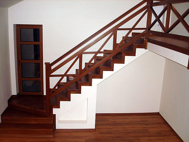 Ограждения для лестниц из дерева: сделано для души!