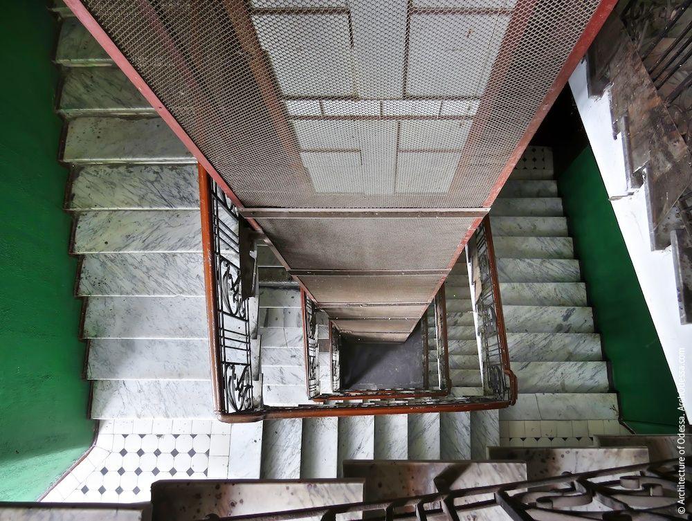 Что надо знать о незадымляемых лестничных клетках
