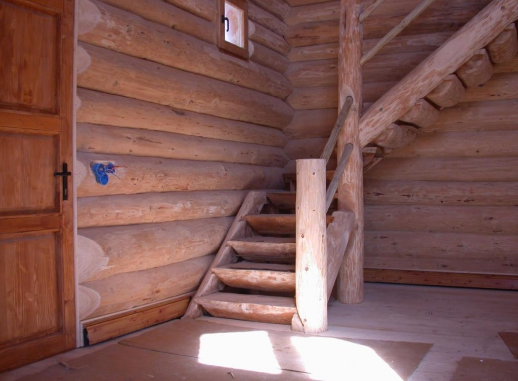 Лестницы из бревен