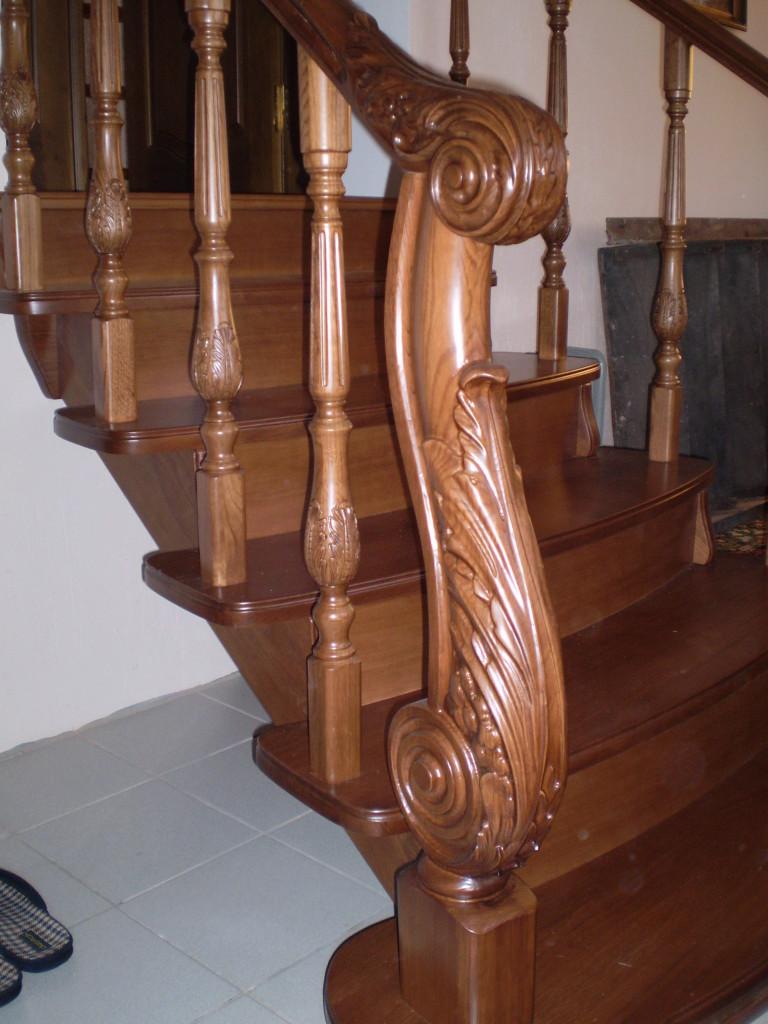 деревянные ограждения лестниц