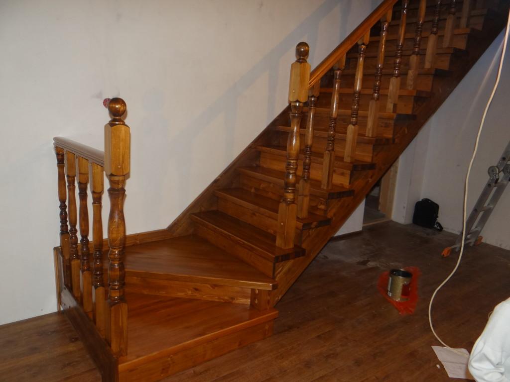 Забежная лестница на второй этаж
