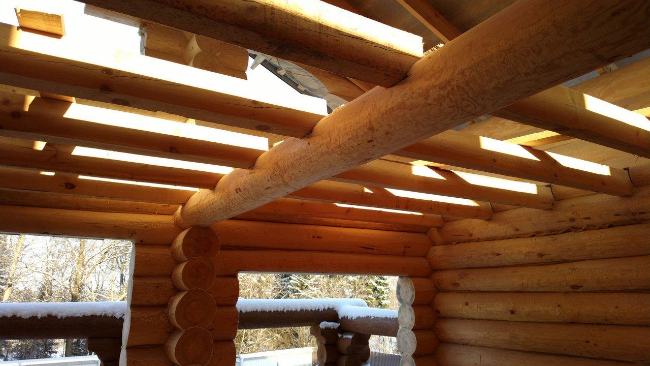Применение деревянных балок и ферм для перекрытий пролетов