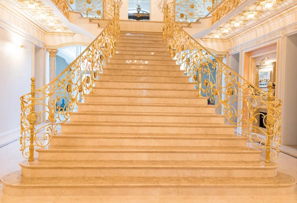 каменная лестница