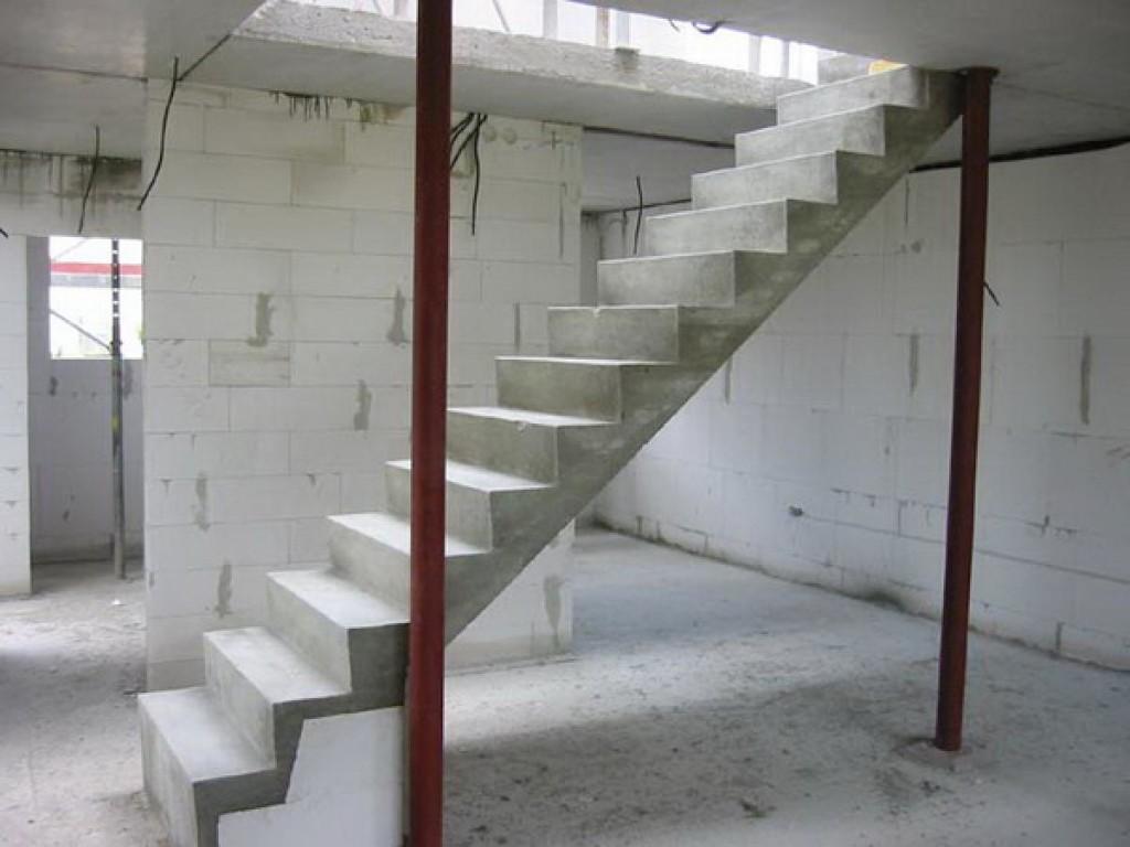 Подобную лестницу под силу создать каждому, а мы вам в этом только поможем.