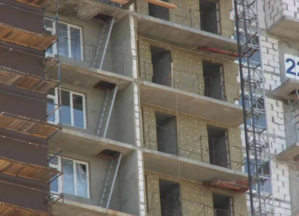 Пожарная лестница на балконе