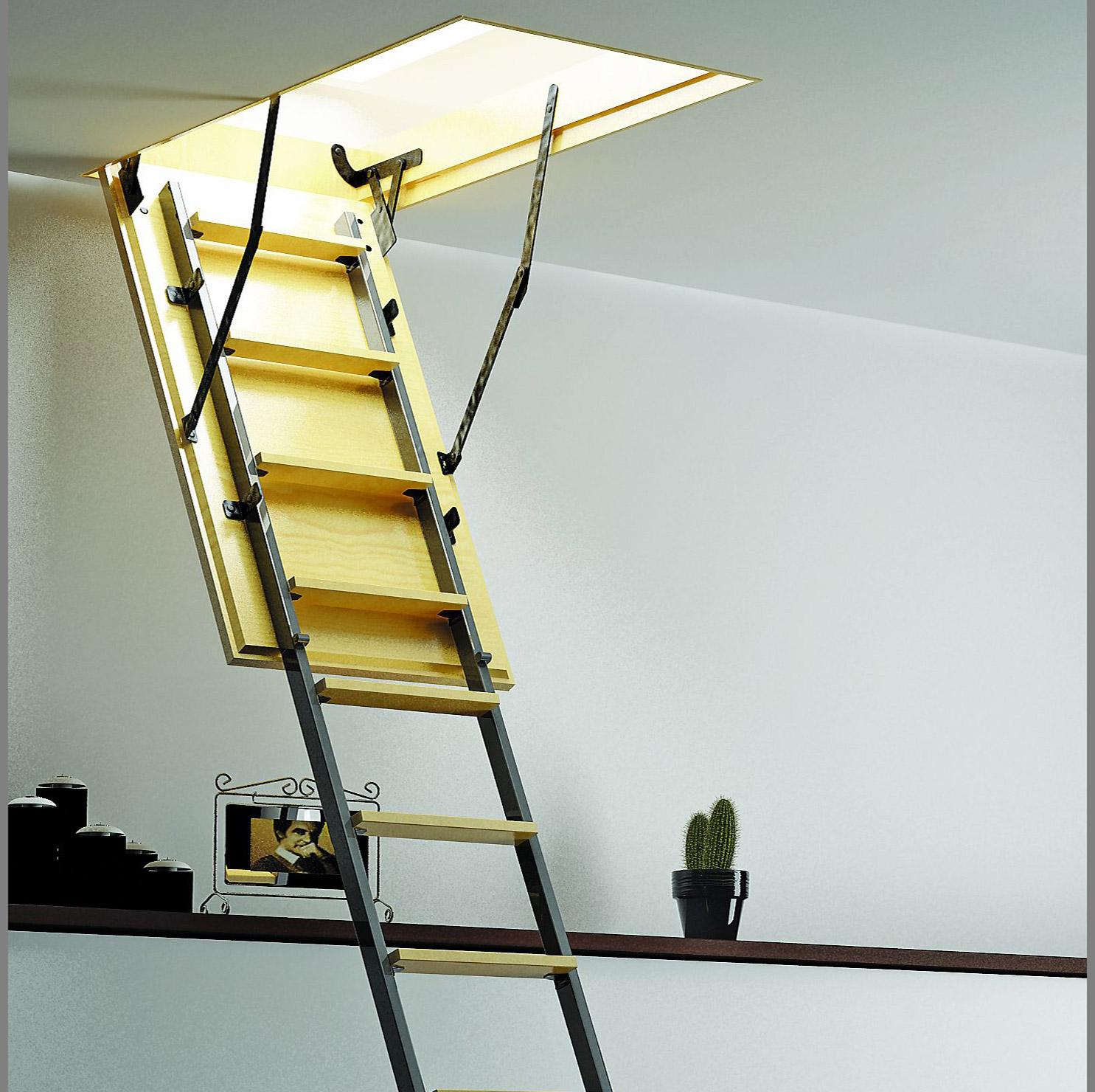 Люк чердачной лестницы