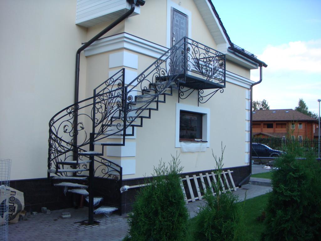 дуговые перила лестницы