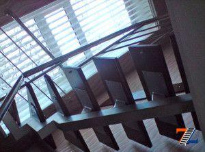 Лестничное сооружение на монокосоуре