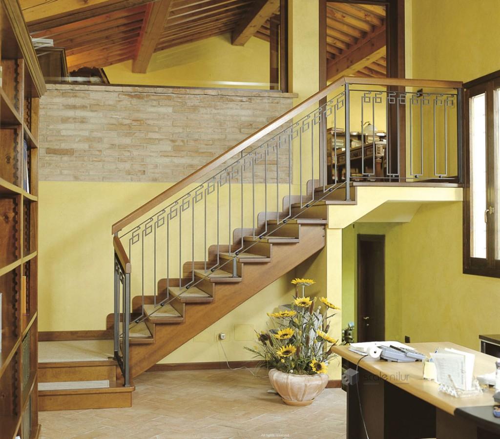 стандартная лестница в доме