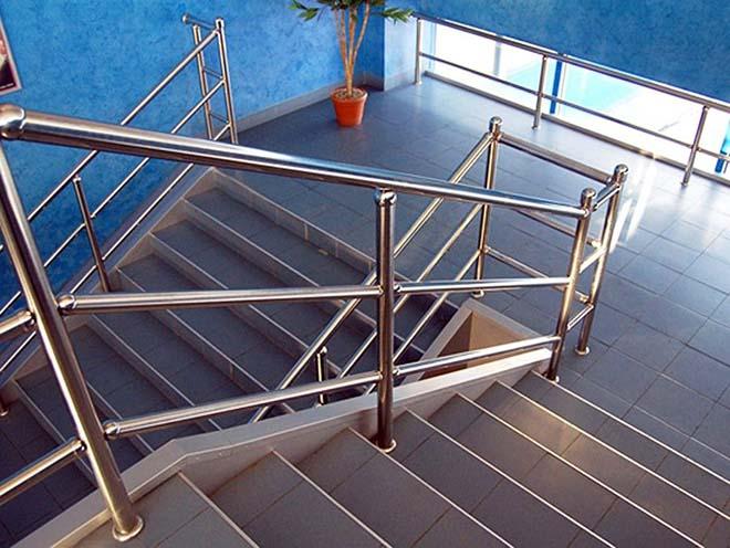 Поручни для лестниц из нержавеющей стали