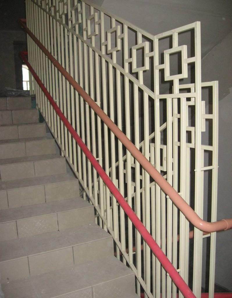 Ограждение лестницы от детей