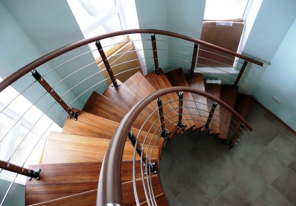 ПВХ ограждения лестниц