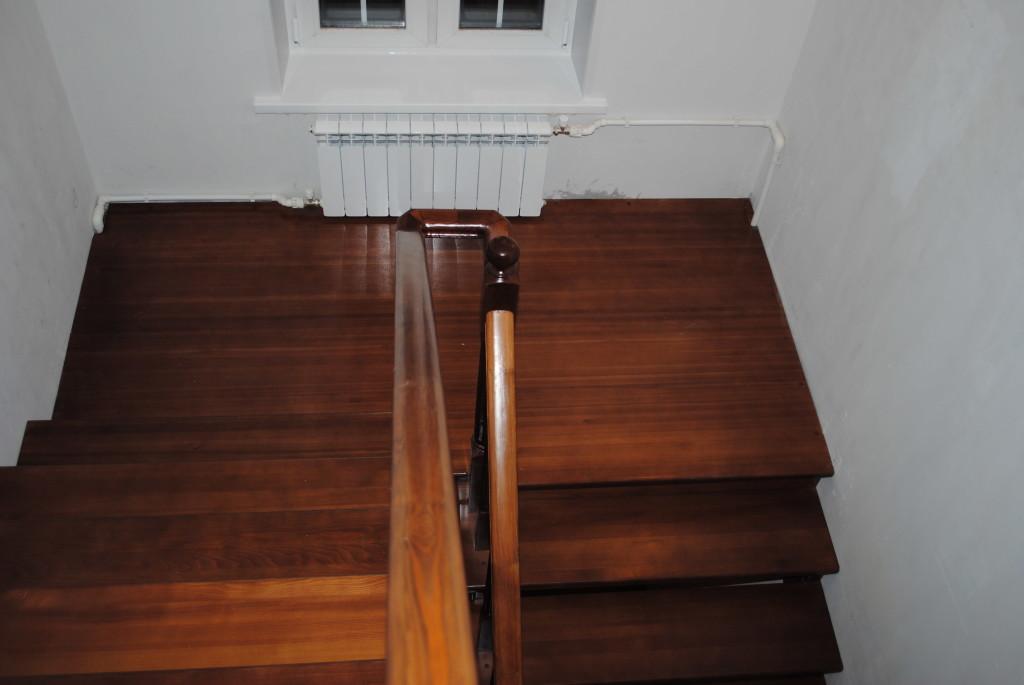 деревянные элементы лестницы