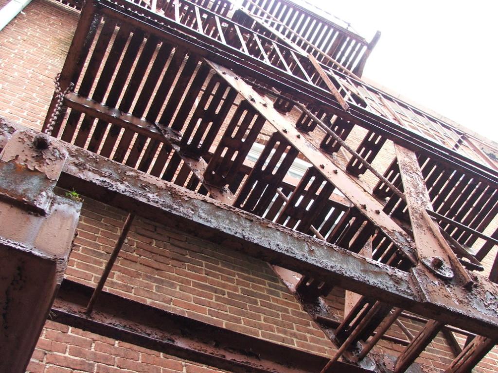 Ржавчина на лестнице