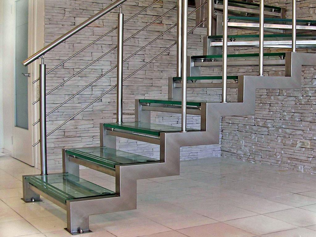 лестница стеклянные ступени