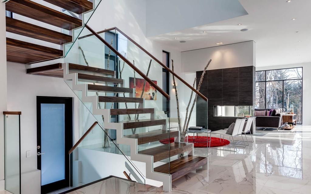 лестница в стиле хай тек