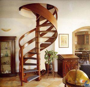 Деревянная спираль на второй этаж
