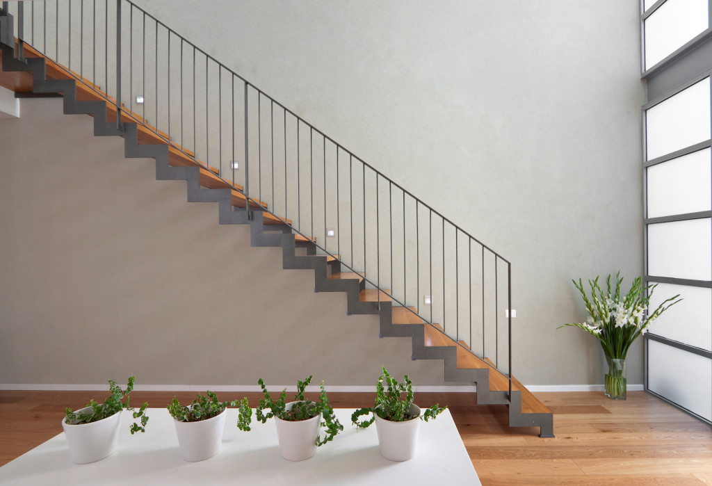 Металлические ограждения лестницМеталлические ограждения лестниц