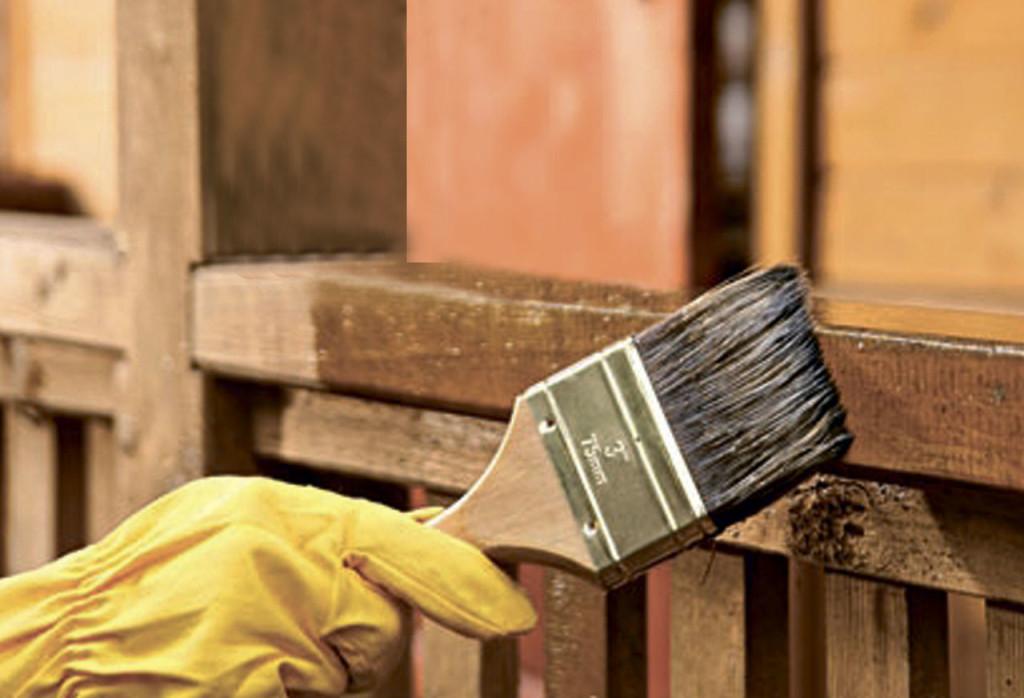 Фармальдегидный лак лучше всего использовать на уличных приспособлениях.